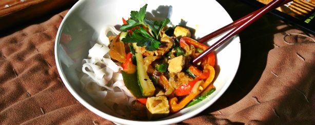 featured chicken tofu stir fry curry (2)